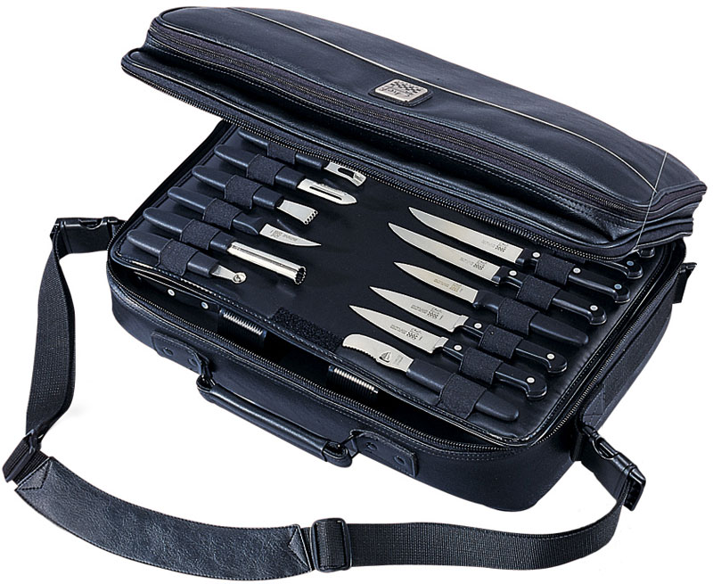 mercer cutlery executive knife case bag holds up to 30 pieces knifecenter m30425. Black Bedroom Furniture Sets. Home Design Ideas