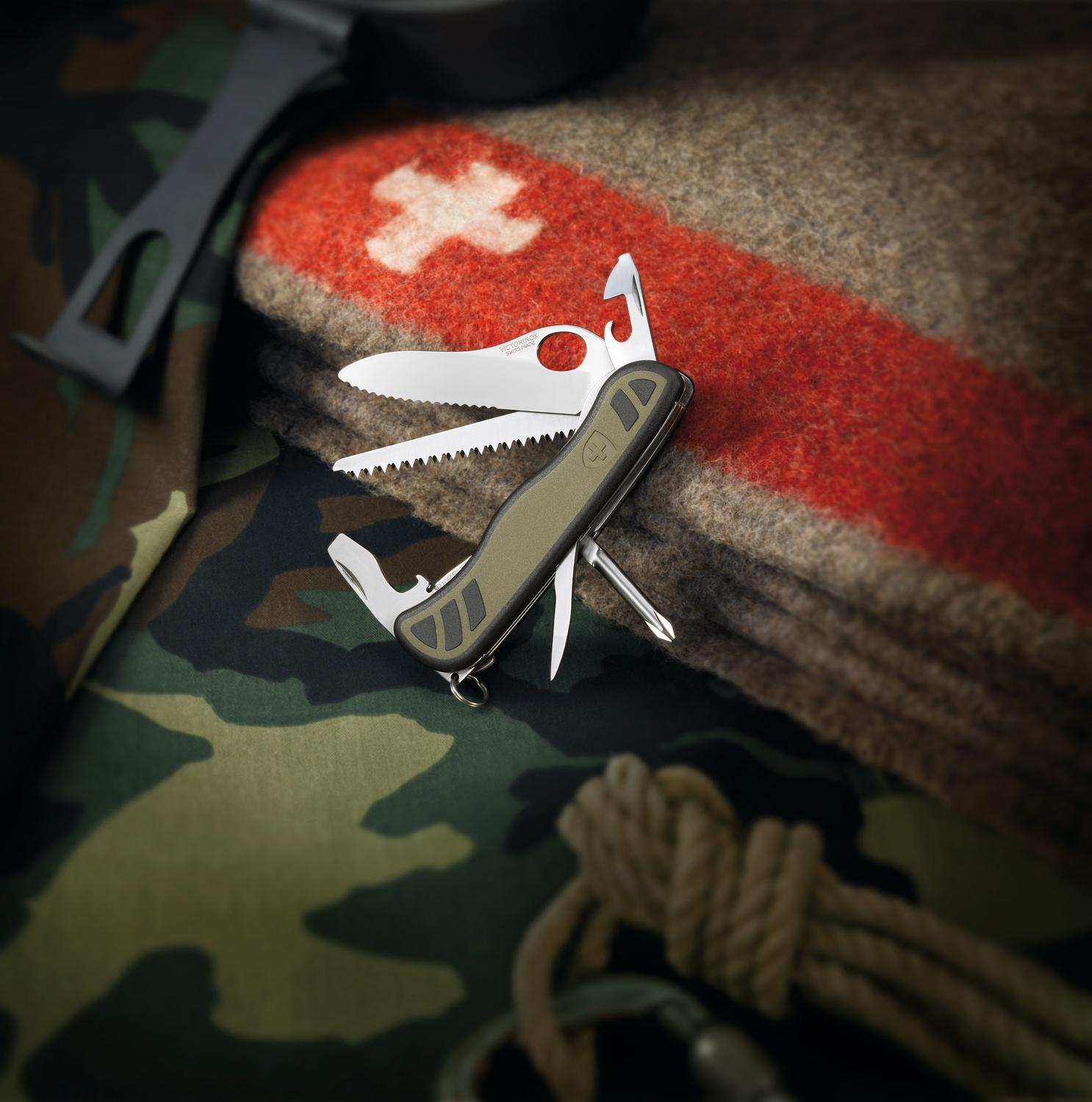 Victorinox Swiss Army One Hand Soldier Standard Issue